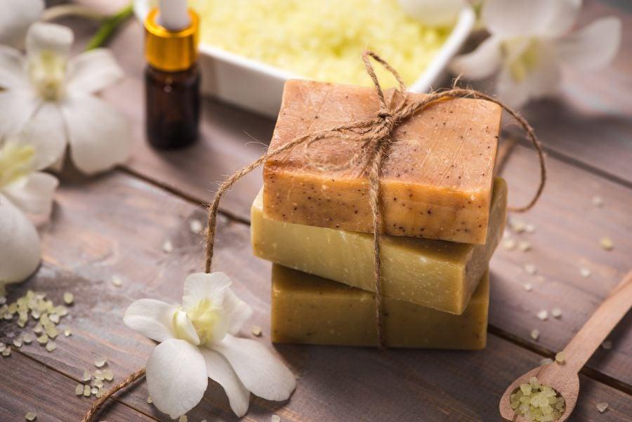 Prodotti per la bio routine per ogni tipo di pelle-sapone