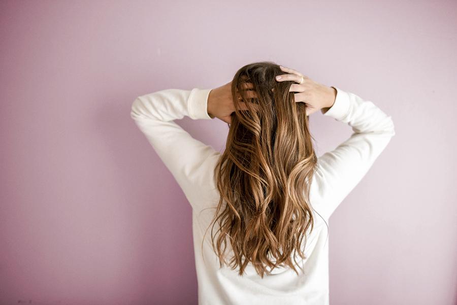 Come riconoscere il proprio tipo di cuoio capelluto e di capelli