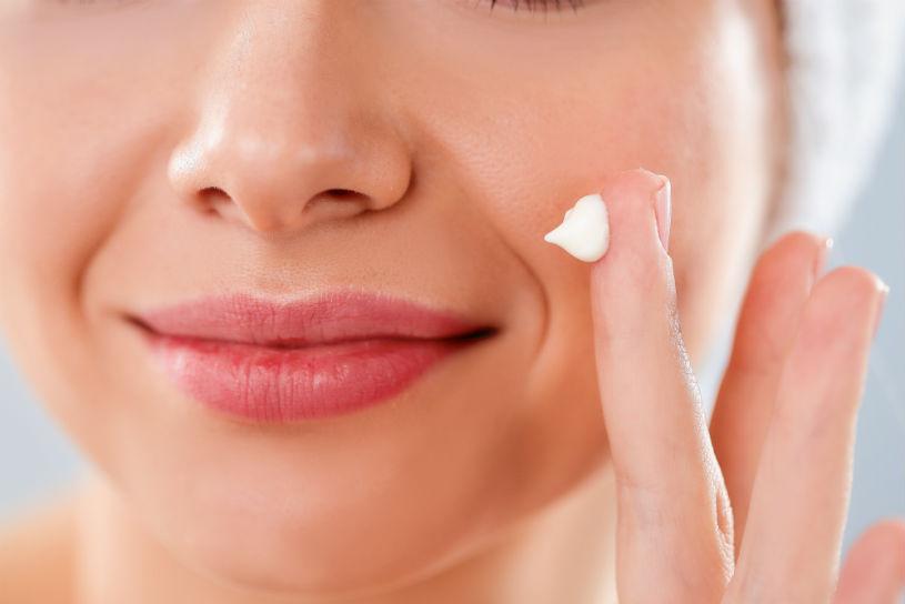 come applicare la crema viso